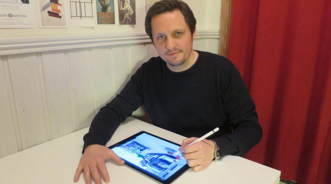 Morten N. Pedersen drawing on his ipad