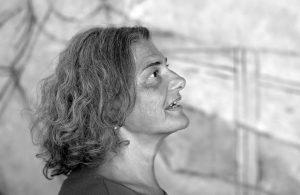Profil von Christine in schwarz-weiß