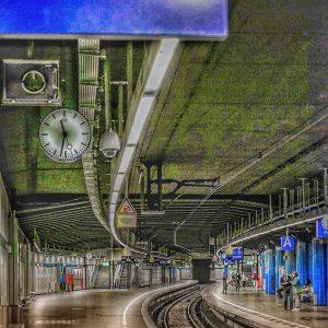 München S-Bahn Marienplatz die Schienen entlang fotografiert