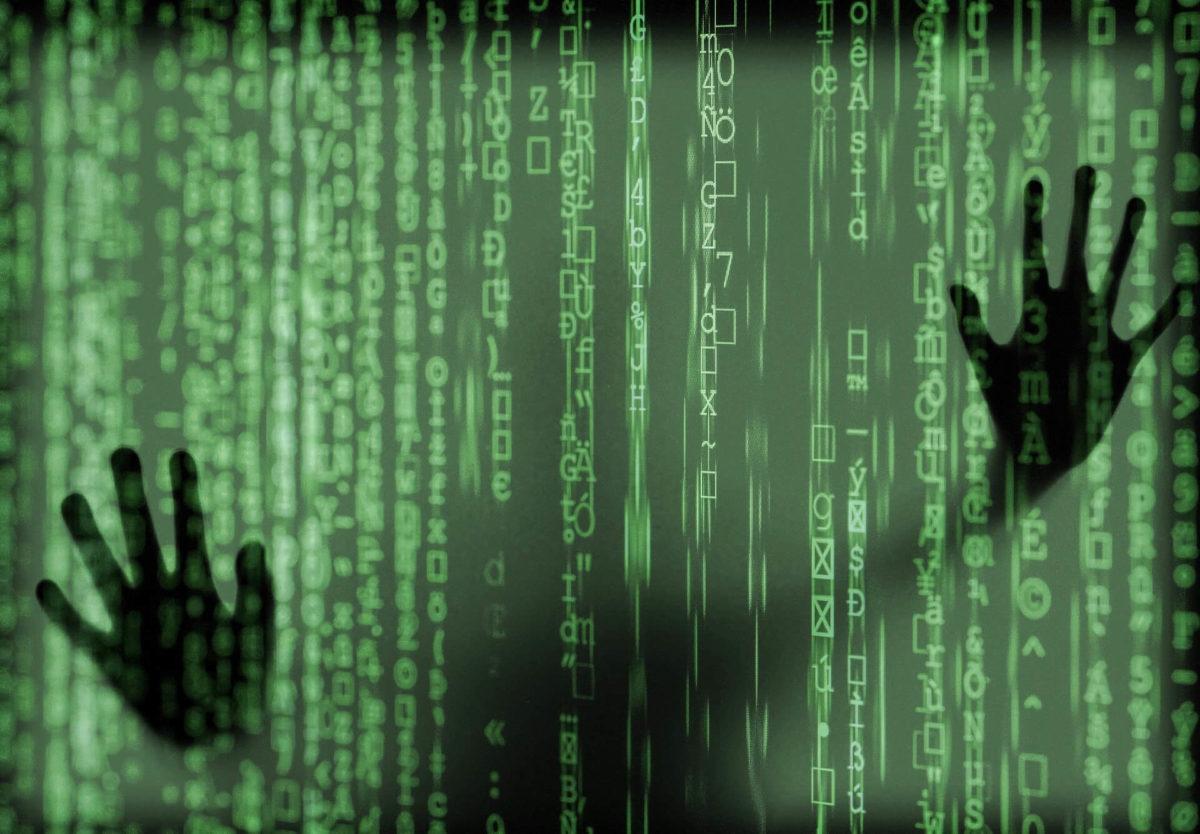 Hände hinter Bildschirm versuchen Datenstrom aufzuhalten