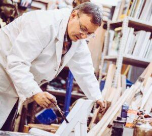 Martin Eckrich beim Malen