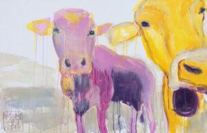 Eine fliederfarbene und eine gelbe Kug schauen den Betrachter an